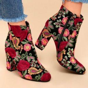 MIA | Rosebud Embroidered Block Heel Bootie 7 NWT